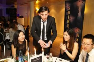 Tom Le Magicien - Magie aux tables