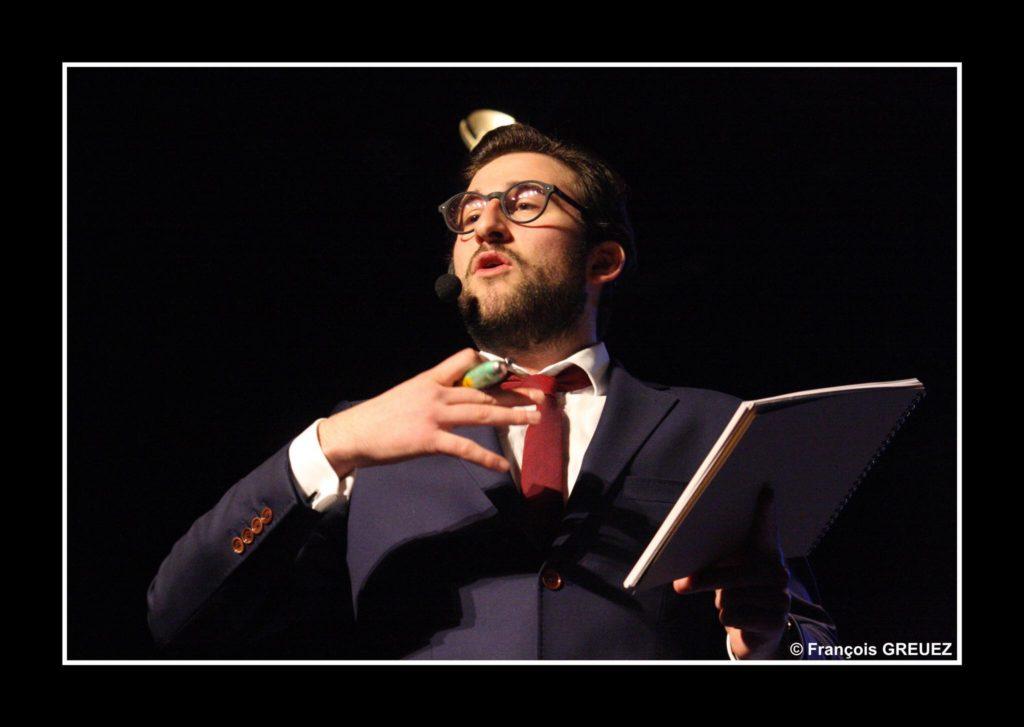 Tom Le Magicien sur scène